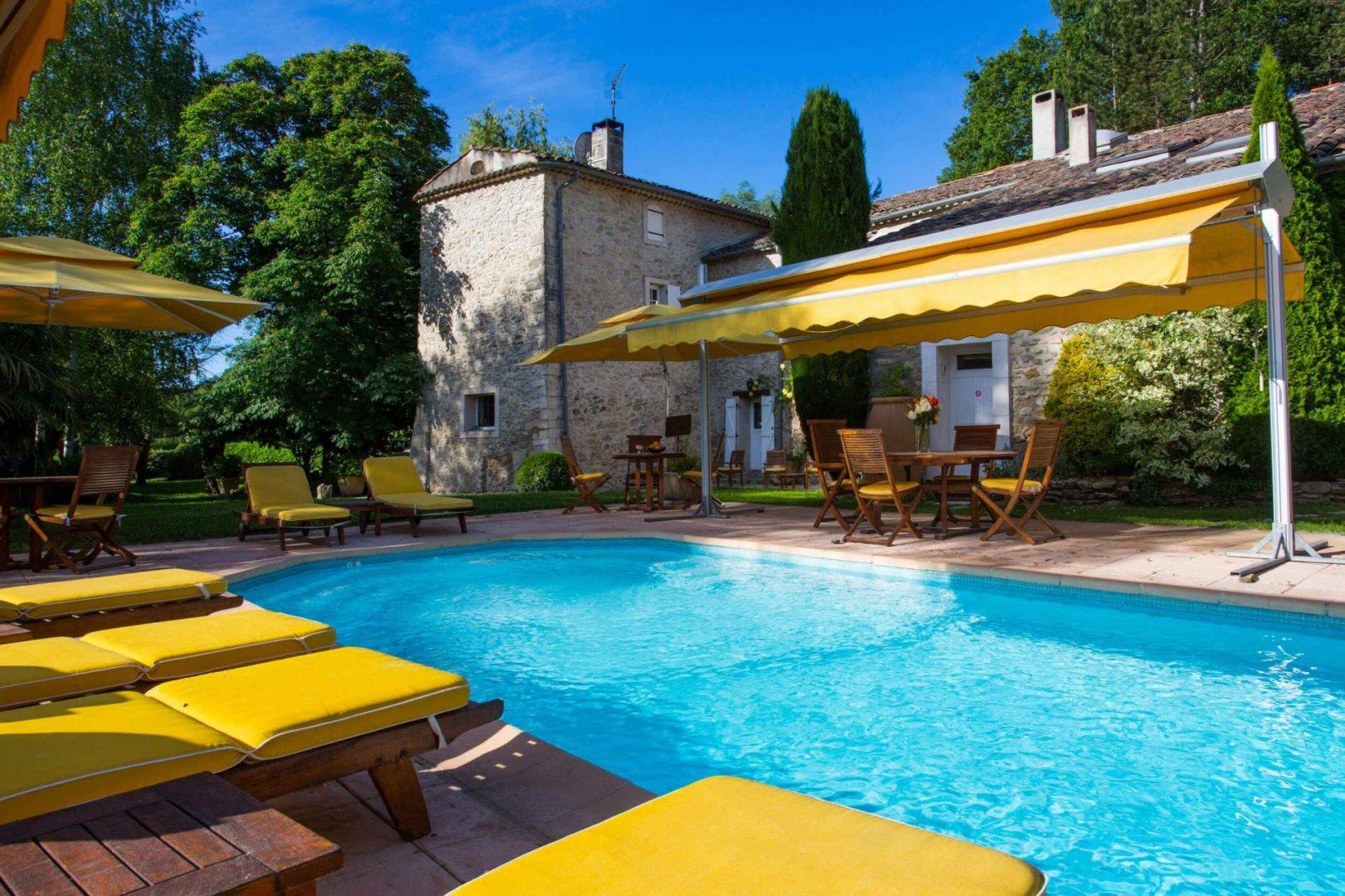 Campagne St Lazare mobilier terrasse piscine