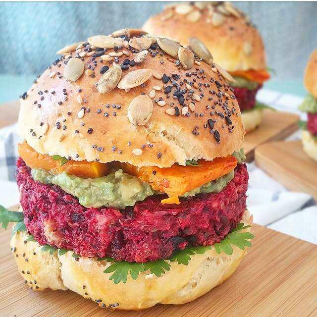 burgers-vegetariens-betterave-avocat-butternut-et-buns-maison