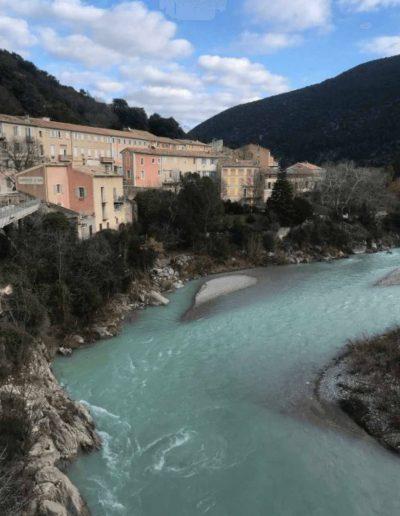riviere transparente village de nyons