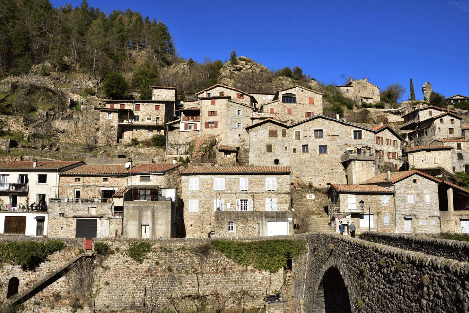 village pittoresque ardeche