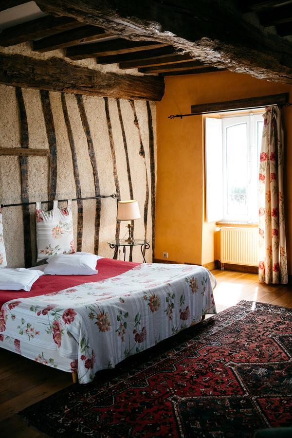 vieille foulonniere mont-saint-michel chambre rouge